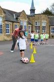 小组学校体育类的孩子 图库摄影
