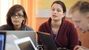 小组学生单项产品经理请求过来与新的寻找产品 影视素材