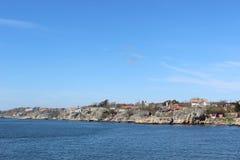 小组房子在哥特人,瑞典,斯堪的那维亚群岛  免版税库存照片