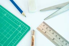 小组文字和切割工具 免版税库存照片