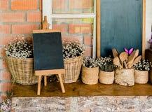 小黑板为写食物菜单或笔记, 库存照片