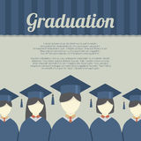 小组毕业褂子和灰泥板的学生 图库摄影