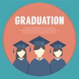 小组毕业褂子和灰泥板的学生 免版税库存照片