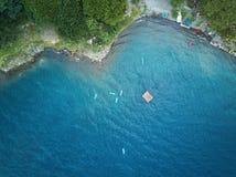 小组皮船在盐水湖 库存图片
