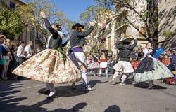 小组舞蹈家在巴伦西亚,西班牙 免版税库存照片