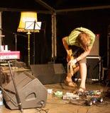 小组莫娜DE BO执行舞台上 免版税库存照片