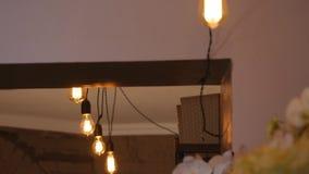 小组葡萄酒与透镜火光3d翻译动画的电灯泡光 光开 影视素材