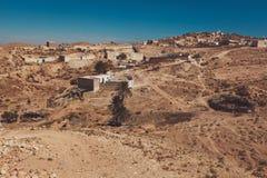 小巴巴里人村庄Tamezret的看法在突尼斯 免版税库存照片