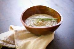 小茴香有气味的花椰菜纯汁浓汤 免版税图库摄影