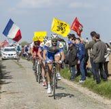 小组骑自行车者巴黎鲁贝2014年 免版税库存照片