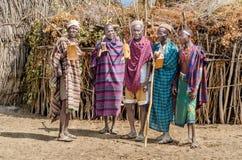 小组从Arbore部落的老人 图库摄影