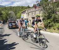 小组Mont Ventoux -环法自行车赛的骑自行车者2016年 免版税库存图片