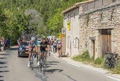 小组Mont Ventoux -环法自行车赛的骑自行车者2016年 免版税库存照片