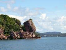 小39个海岸海岛的岩石 免版税库存图片