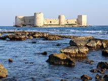 少女城堡,女孩城堡在梅尔辛土耳其,城堡在海,未婚, kizkalesi, kiz kalesi城堡  库存图片