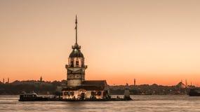 少女塔/Kiz Kulesi在伊斯坦布尔,土耳其 免版税库存照片