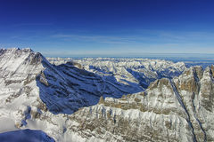 少女峰土坎直升机视图在冬天 库存照片
