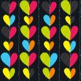 少女设计的心脏无缝的传染媒介样式 与明亮的心脏的少女印刷品在黑色 库存例证