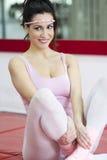 少妇实践的瑜伽 库存照片