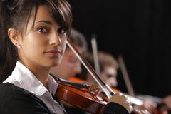 少妇小提琴手纵向  图库摄影