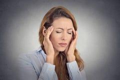 少妇痛苦,有头疼 免版税库存图片