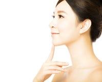少妇的美丽的面孔有干净的新鲜的皮肤的 免版税图库摄影
