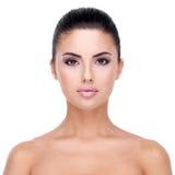 少妇的美丽的面孔有干净的皮肤的。 免版税库存图片