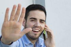 少妇纵向有移动电话的 免版税库存图片