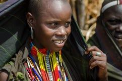 少妇画象从Arbore部落,埃塞俄比亚的 库存照片