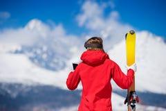 少妇滑雪 库存照片