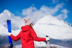 少妇滑雪 库存图片