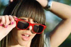 少年女孩的太阳镜 图库摄影