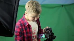 少年录影博客作者包括一台摄象机 股票录像