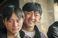 少数族裔供以人员微笑,在老东范market 免版税库存照片