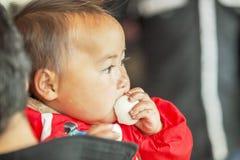 少数族裔婴孩,在老东范market 免版税库存图片