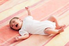 少许哭泣的婴孩 免版税图库摄影