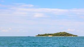 少许海岛在热带海运在泰国 免版税库存图片