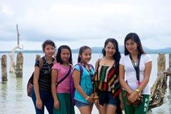 少年学校女孩在菲律宾 免版税库存图片