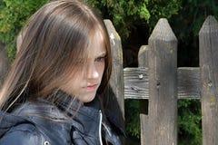 少年恼怒的女孩 免版税图库摄影