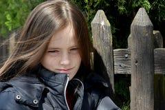 少年恼怒的女孩 免版税库存图片