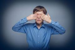 少年男孩10年棕色头发白种人 免版税图库摄影