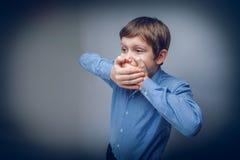 少年男孩10年欧洲出现 免版税库存照片