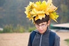 少年的秋天画象 库存图片