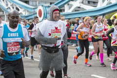 维尔京金钱伦敦马拉松 2016年4月24日 免版税库存照片