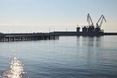 巴尔奇克在一个平安的晴天,黑海,保加利亚港口  库存照片