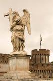 贝尔尼尼在ponte Sant'Angelo的天使雕象在罗马 免版税图库摄影