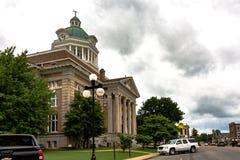 贾尔斯县法院大楼和街市Pulaski 库存照片