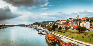 贝尔格莱德全景和萨瓦河 调整的颜色口气 库存照片