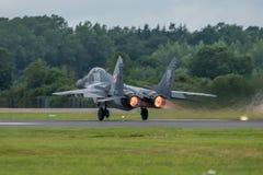 费尔福德,英国- 7月10日:米格-29航空器参加皇家国际空气纹身花刺飞行表演事件2016年7月10日 库存图片