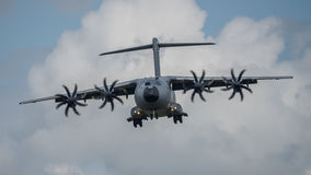 费尔福德,英国- 7月10日:A-400M航空器参加皇家国际空气纹身花刺airshow事件2016年7月10日 库存图片